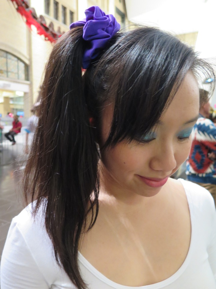 One sided high ponytail with a scrunchie. Do you remember wearing scrunchies? ;p